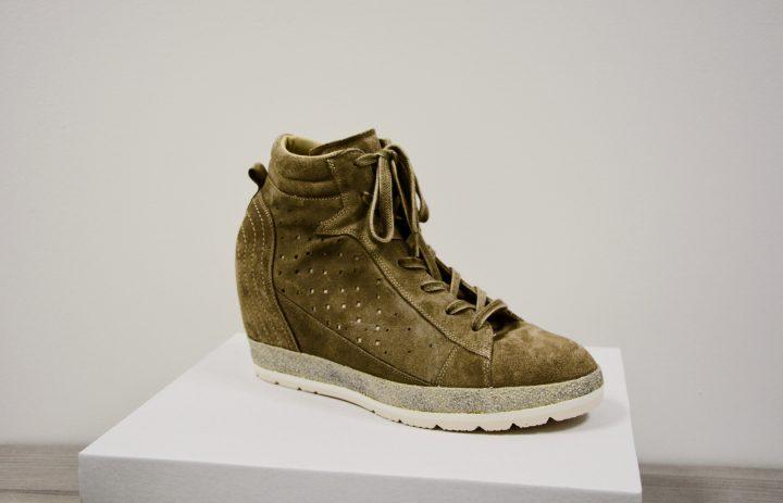 afgewerkte schoen